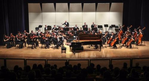 澳门乐迷初见钢琴家爱丽丝反应热烈
