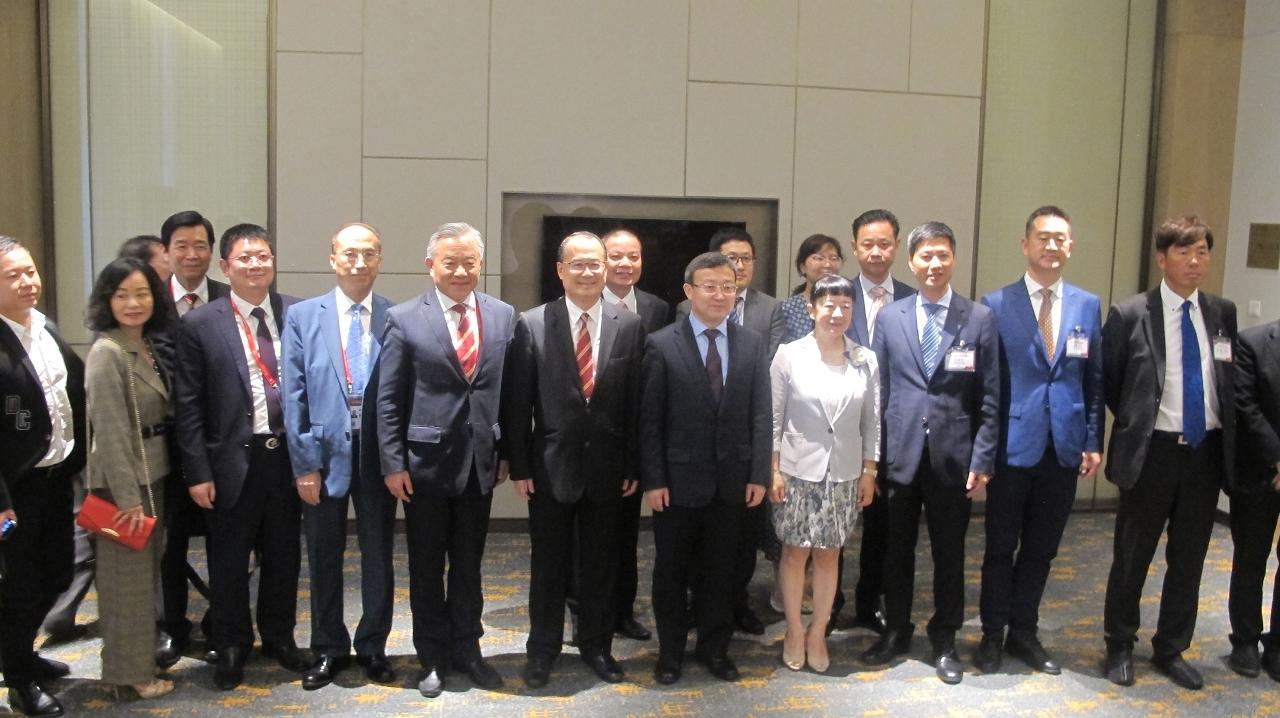 商務部副部長王受文接見澳門及香港企業家代表團一行