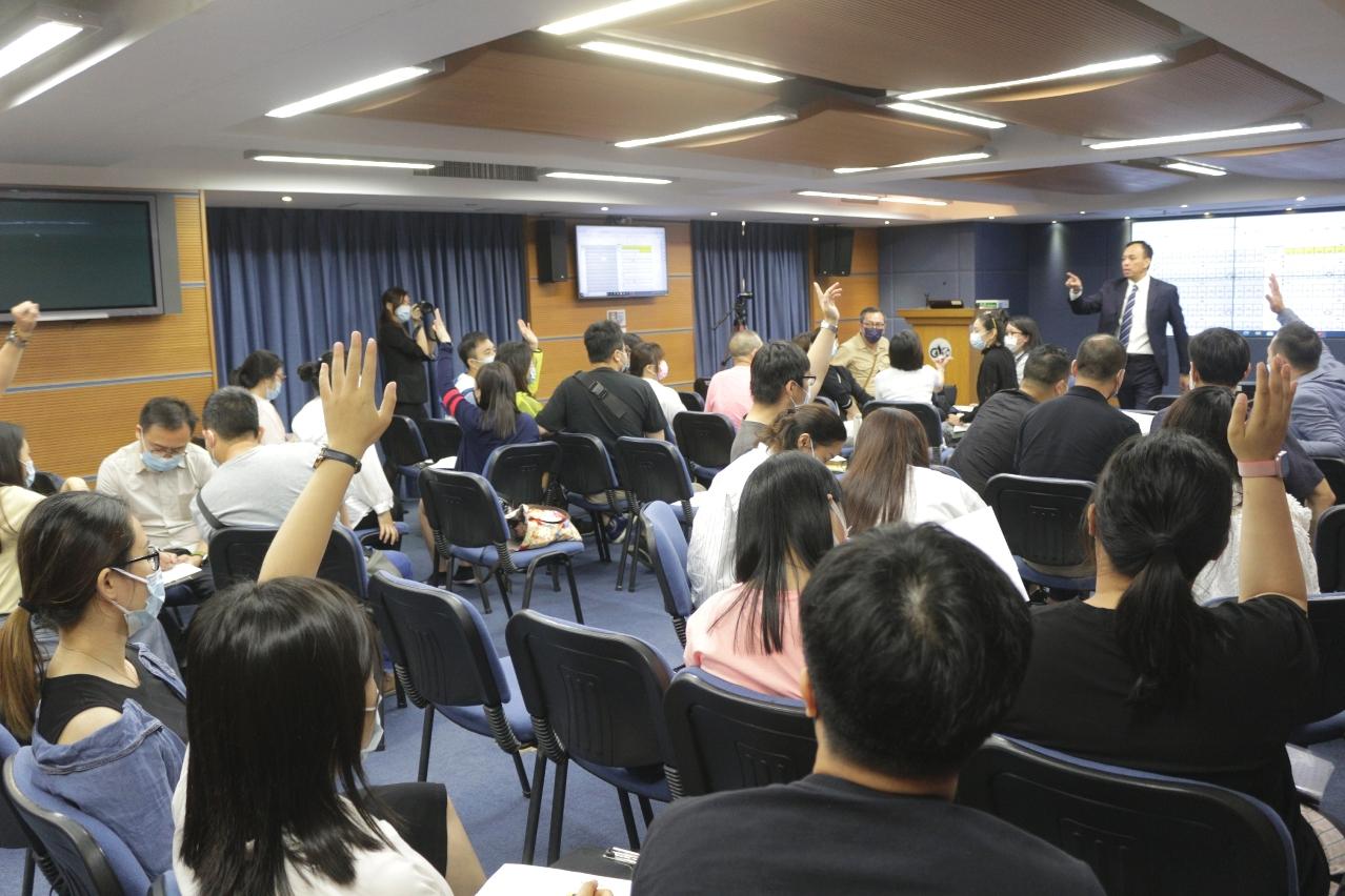 學員關注參展時的展位搭建、以及境外參展時有關貨品出入口課稅的問題