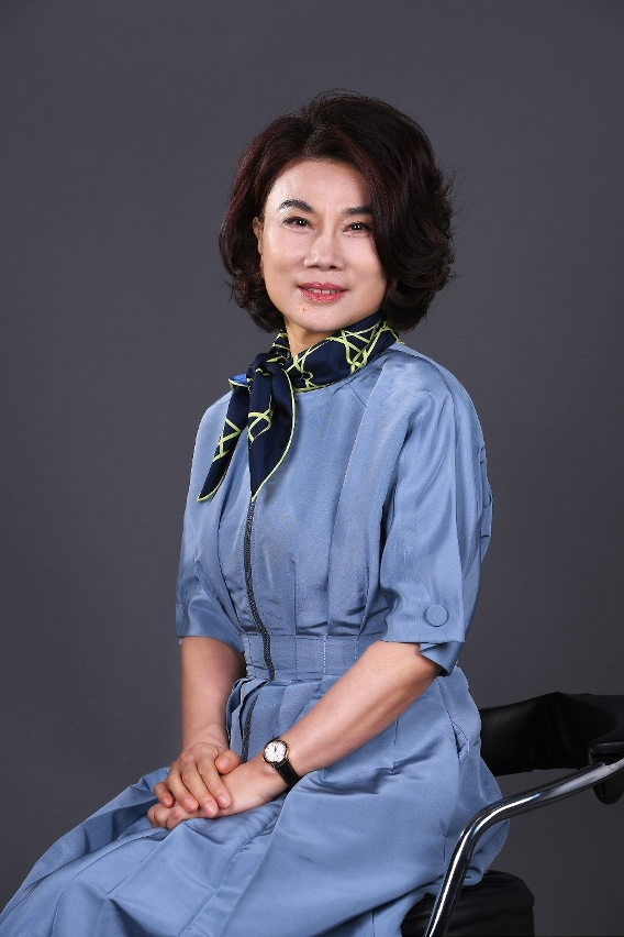"""Ms. Dong Mingzhu, Chairperson and President of Gree Electric Appliances, Inc. of Zhuhai and UN's """"Messenger of Sustainable Urban Development"""", serves as the keynote speaker at the 2021MIECF."""